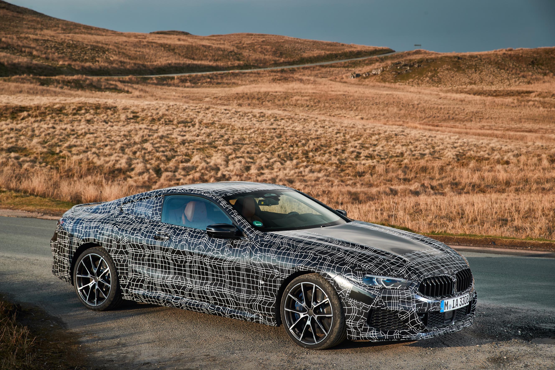 Маркус Флаш, менеджер проекта BMW 8 Series, сказал: «То, что всегда впечатляет, когда вы тестируете новый BMW 8 Series Coupe, является его адаптируемостью. Независимо от того, выражает ли водитель свои пожелания в отношении комфорта и спортивности с