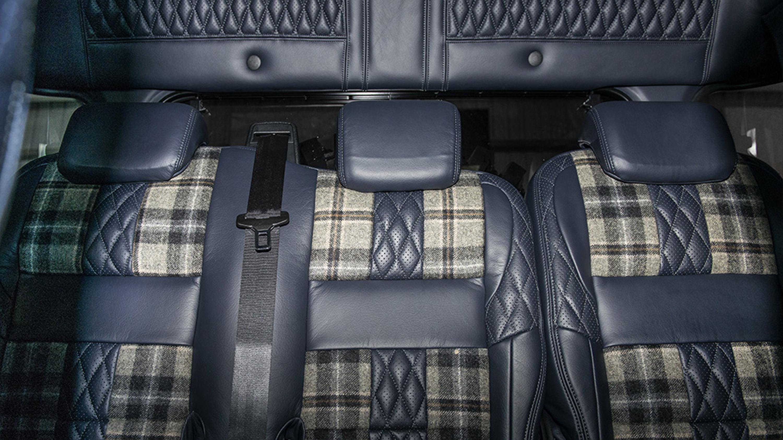 Land Rover Defender остается любимым автомобилем для тюнинга в Kahn Design Studio.