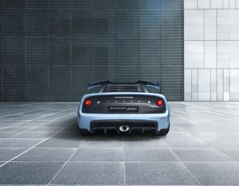 Lotus Exige Sport 410 получает 3,5-литровый двигатель V6 мощностью 410 л.с. и 420 Нм крутящего момента.
