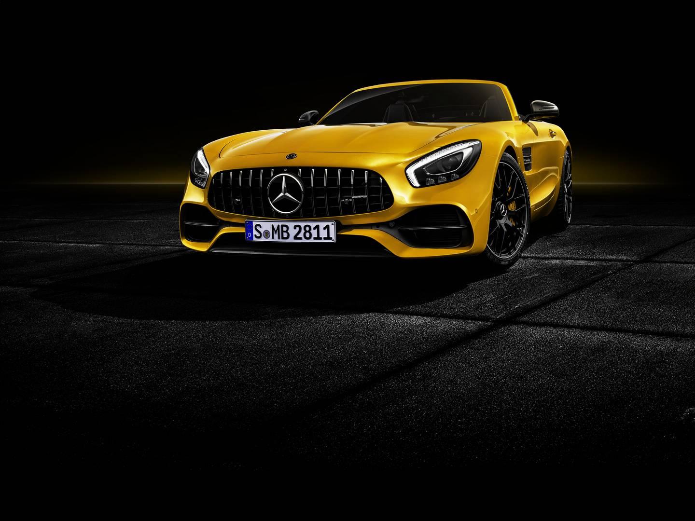 Mercedes-AMG GT S Roadster будет доступен для заказа уже летом. Он дополняет стандартный диапазон GT моделью Convertible, но теперь вариант «R» отсутствует.