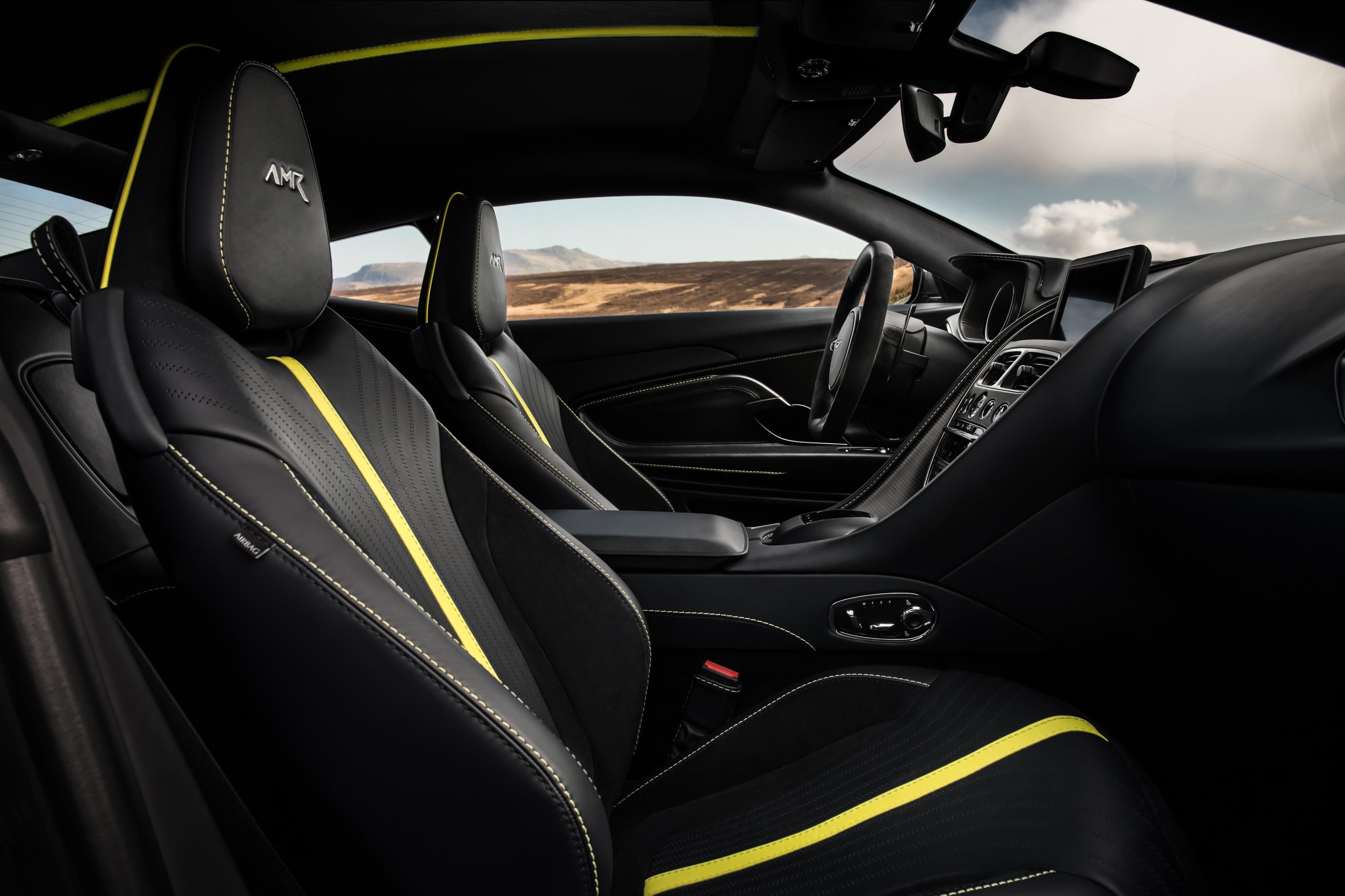 DB11 AMR будет топовым автомобилем в линейке с 5,2-литровым двигателем V12 под капотом. Мощность была увеличена на 30 л.с. до 630 л.с. с крутящим моментом в 700 Нм. Его максимальная скорость составляет 330 км/ч, а время разгона до 100 км/ч всего 3,7