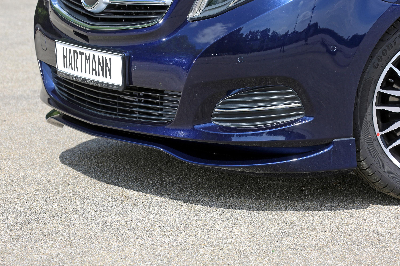 Честно говоря, нам нравятся машины Mercedes V-Class.