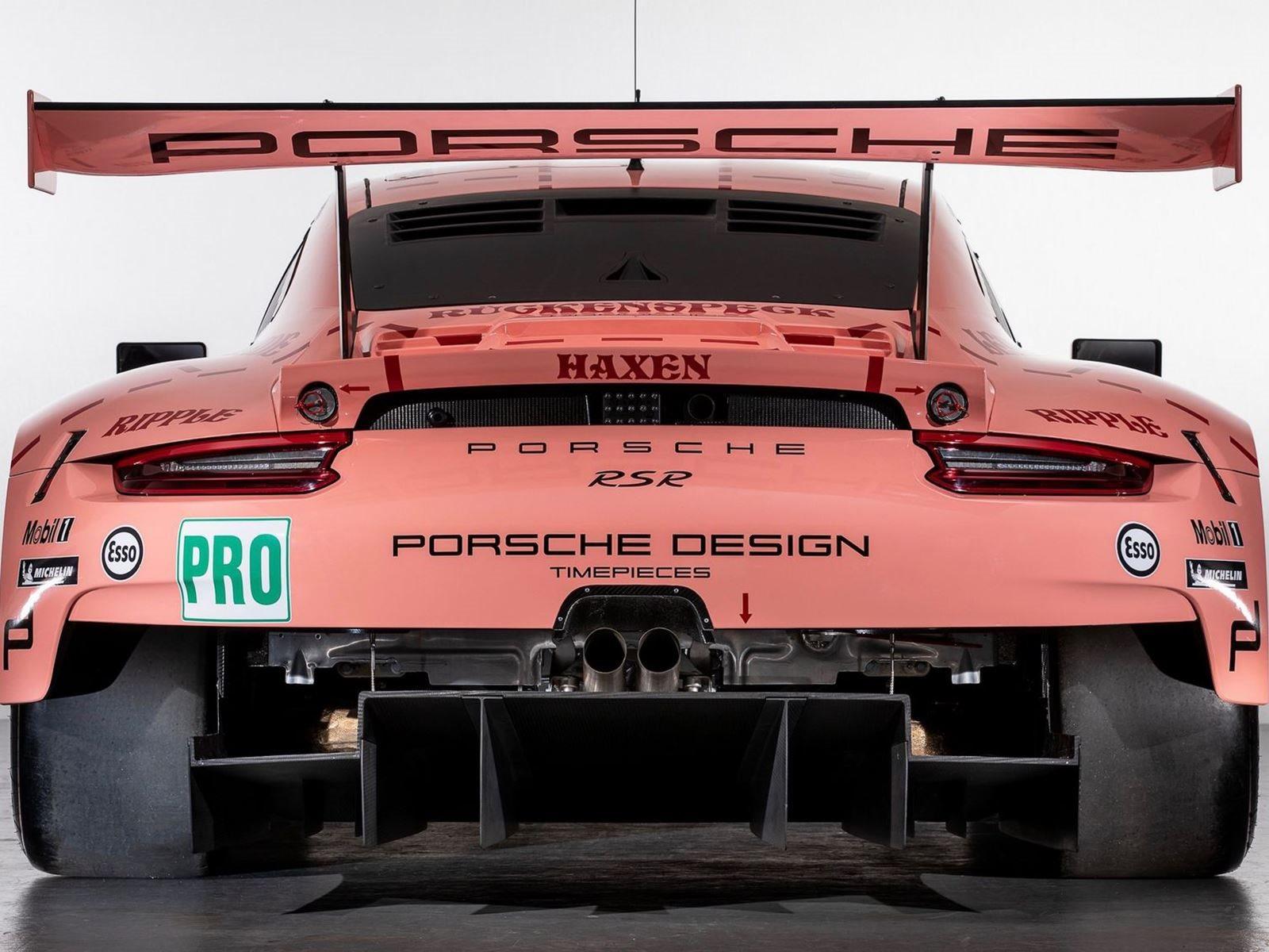 Оригинальный автомобиль считался уродливым, но был разработан максимально, насколько это возможно, аэродинамически эффективным. Люди помнят 917/20 благодаря его розовой ливрее с фрагментами свинины, обозначенными на кузове. Оригинальный розовый автом