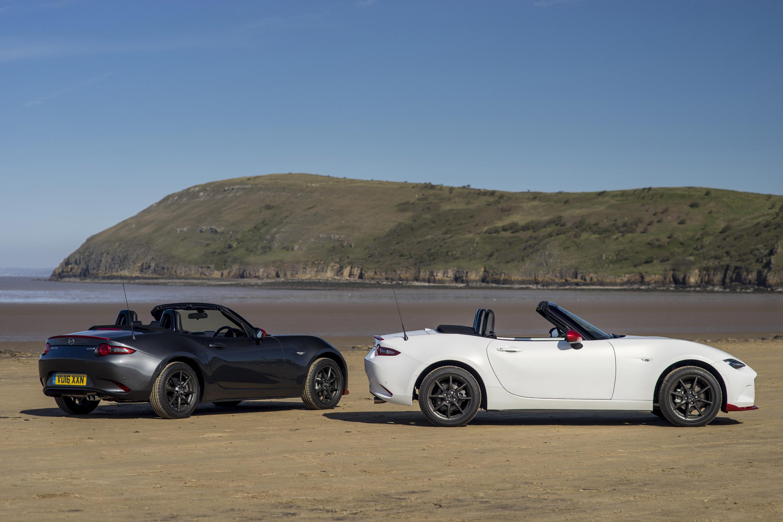 И последнее, но не менее важное - награжденный призом дизайн KODO-Soul от Motion design дополнительно усовершенствован. Кузов теперь имеет темно-красный цвет и дополнен стильными 16- и 17-дюймовыми колесами.