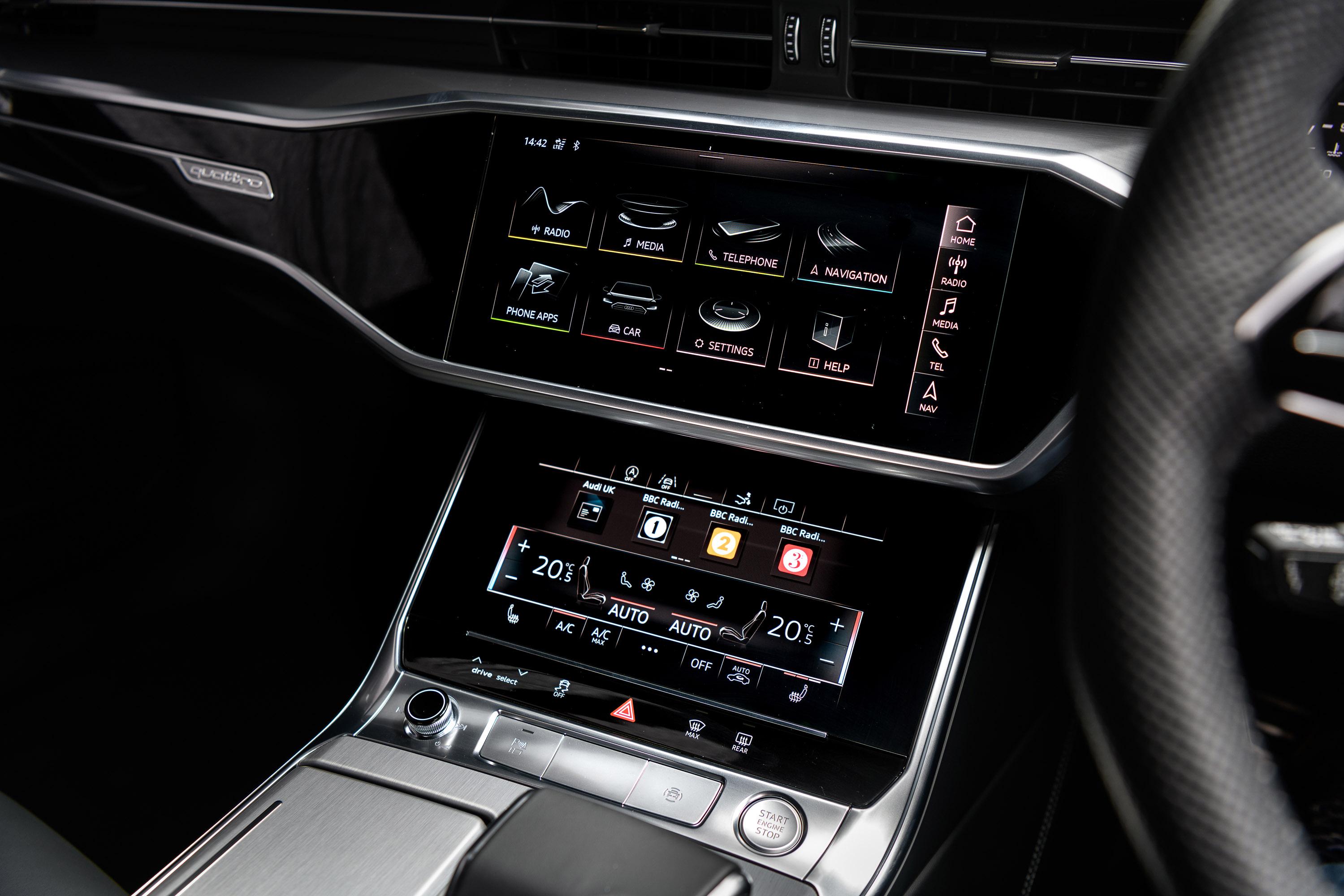 Кроме того, как вы, возможно, ожидаете, обновленный A7 Sportback не будет иметь недостатка в функциях и системах безопасности. Машина 45 TDI Quattro будет предлагаться с системами MMI Navigation Plus с MM Touch, Audi Virtual Cockpit и камерой заднего