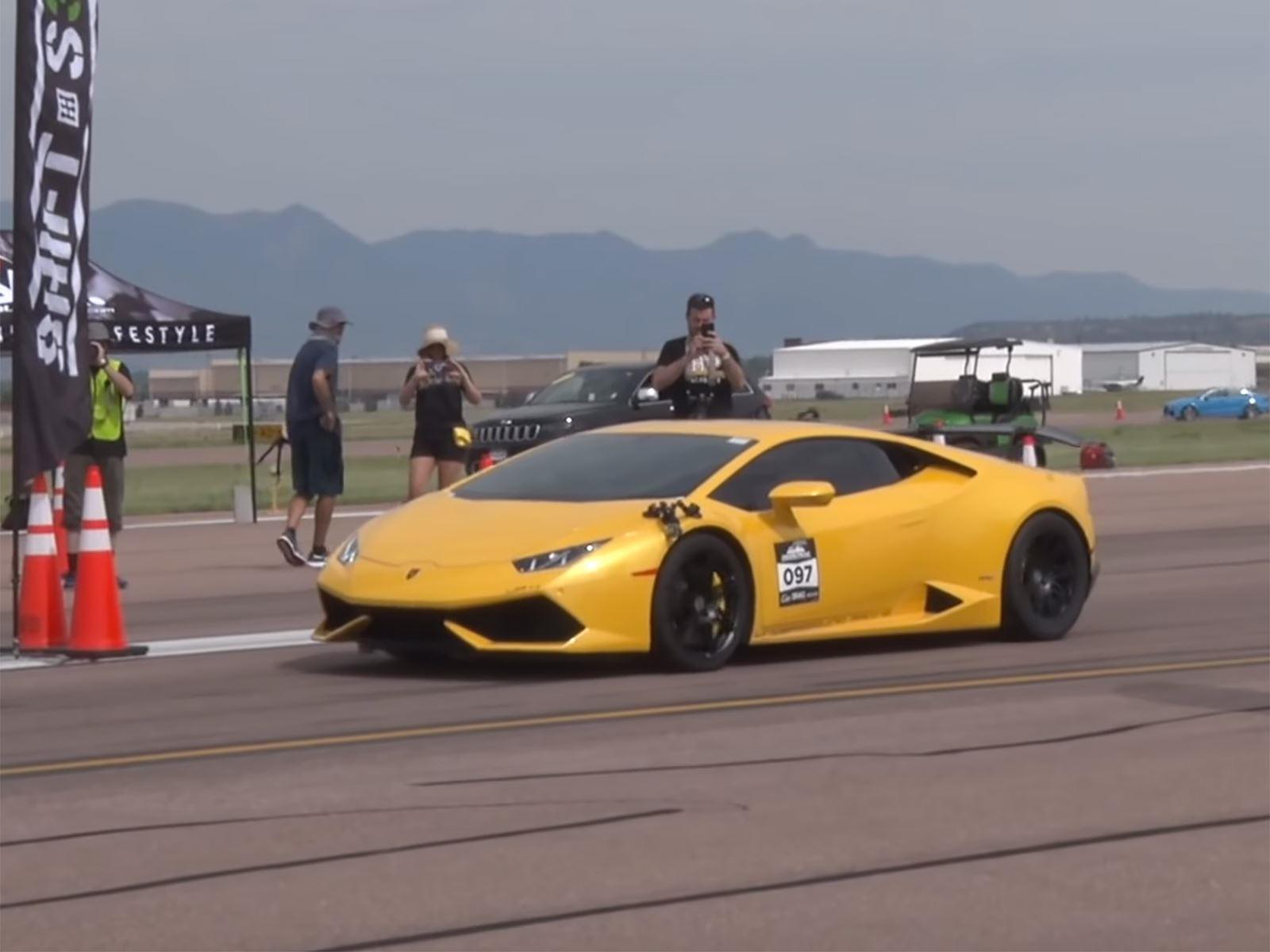 Несколько суперкаров были замечены в дуэлях на Pikes Peak Airstrip Attack, но самым выдающимся из них был Lamborghini Huracan с двойным турбонаддувом, настроенный Underground Racing.