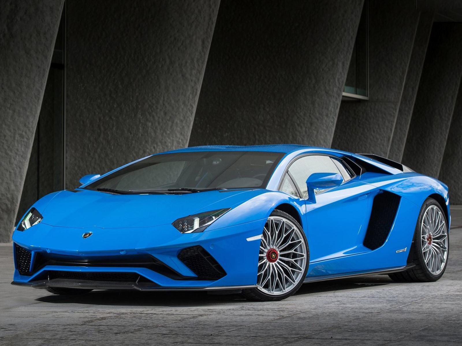 Согласно «The Supercar Blog», недавно был показан прототип Lamborghini LB48H, очень ограниченное издание гибридного гиперкара.