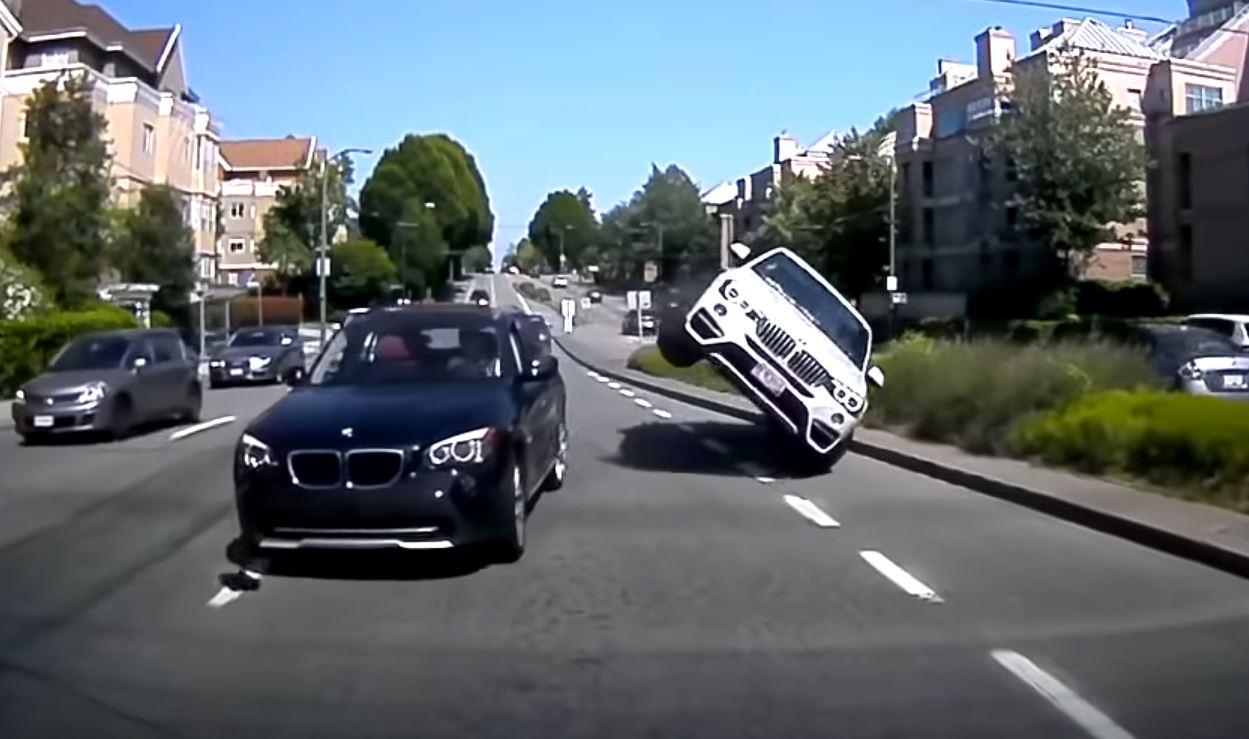 Видео доказывает, что у водителей купе-внедорожников больше денег, чем здравого смысла. Вы, ребята, помните, как GLE 63 Coupe разбился примерно неделю назад?