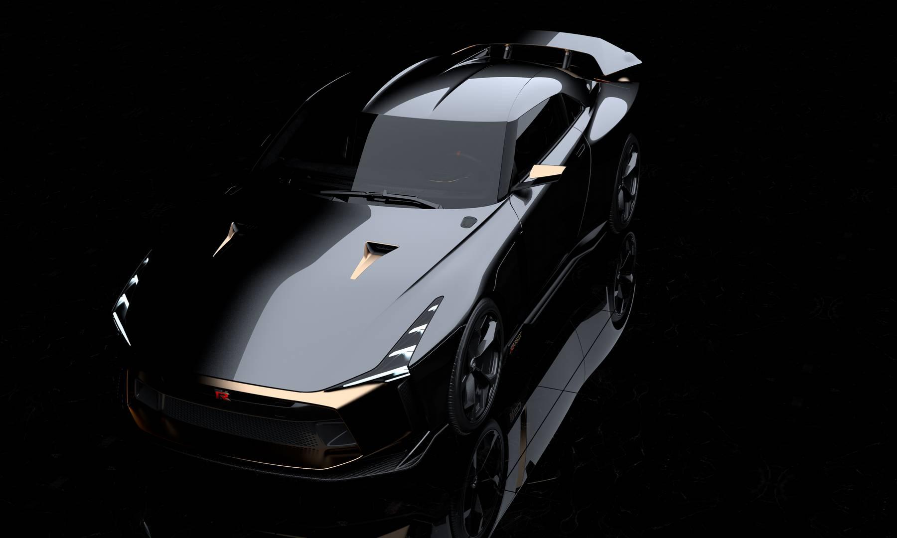 Автомобиль был разработан, спроектирован и построен компанией Italdesign с использованием конструкций, созданных в Nissan Design Europe в Лондоне и Nissan Design America. Автомобиль получил золотистые элементы, которые украшают автомобиль начиная с п
