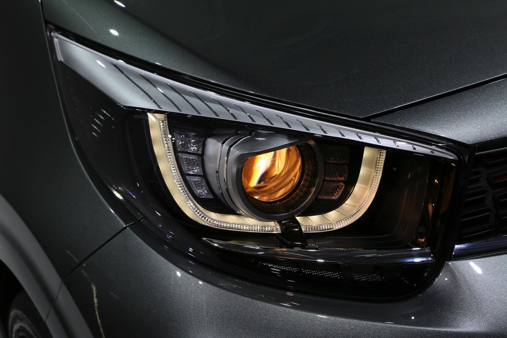 GT-Line также получает задний диффузор, двойные выхлопные трубы и 16-дюймовые легкосплавные диски с шинами 195/45 R16. За 13 320 фунтов Kia получает светодиодные фары, светодиодные дневные ходовые огни, светодиодные задние фонари и некоторые внутренн