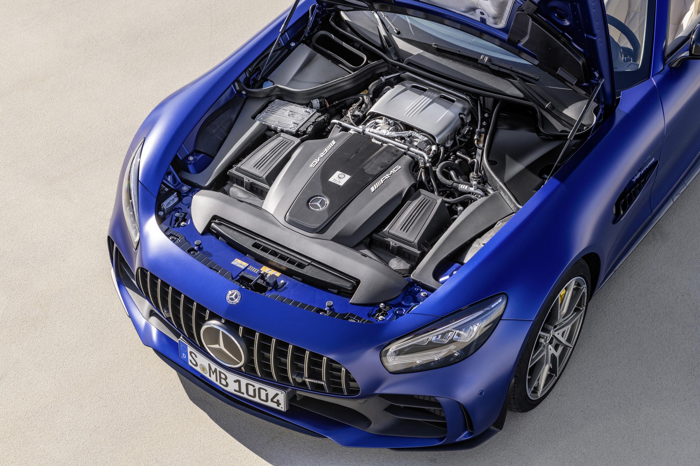 Mercedes-AMG сочетает в себе передовые технологии автоспорта со свободой вождения на открытом воздухе. Как?