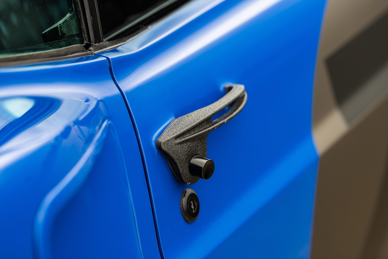 Известный изготовитель автомобилей на заказ и производитель высококачественных деталей Ringbrothers представил свой последний проект - 1969 Mustang года, известный как «UNKL», на выставке SEMA 2019.