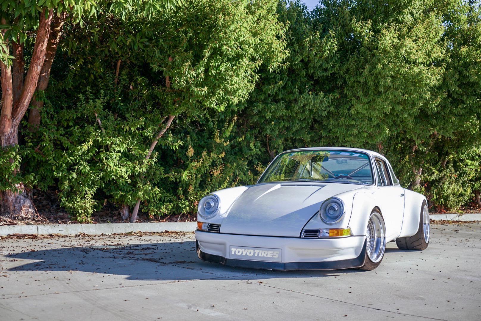 Возможно, он все еще входит в планы последнего поколения Porsche 992. Несмотря на это, Porsche был побежден EV West.