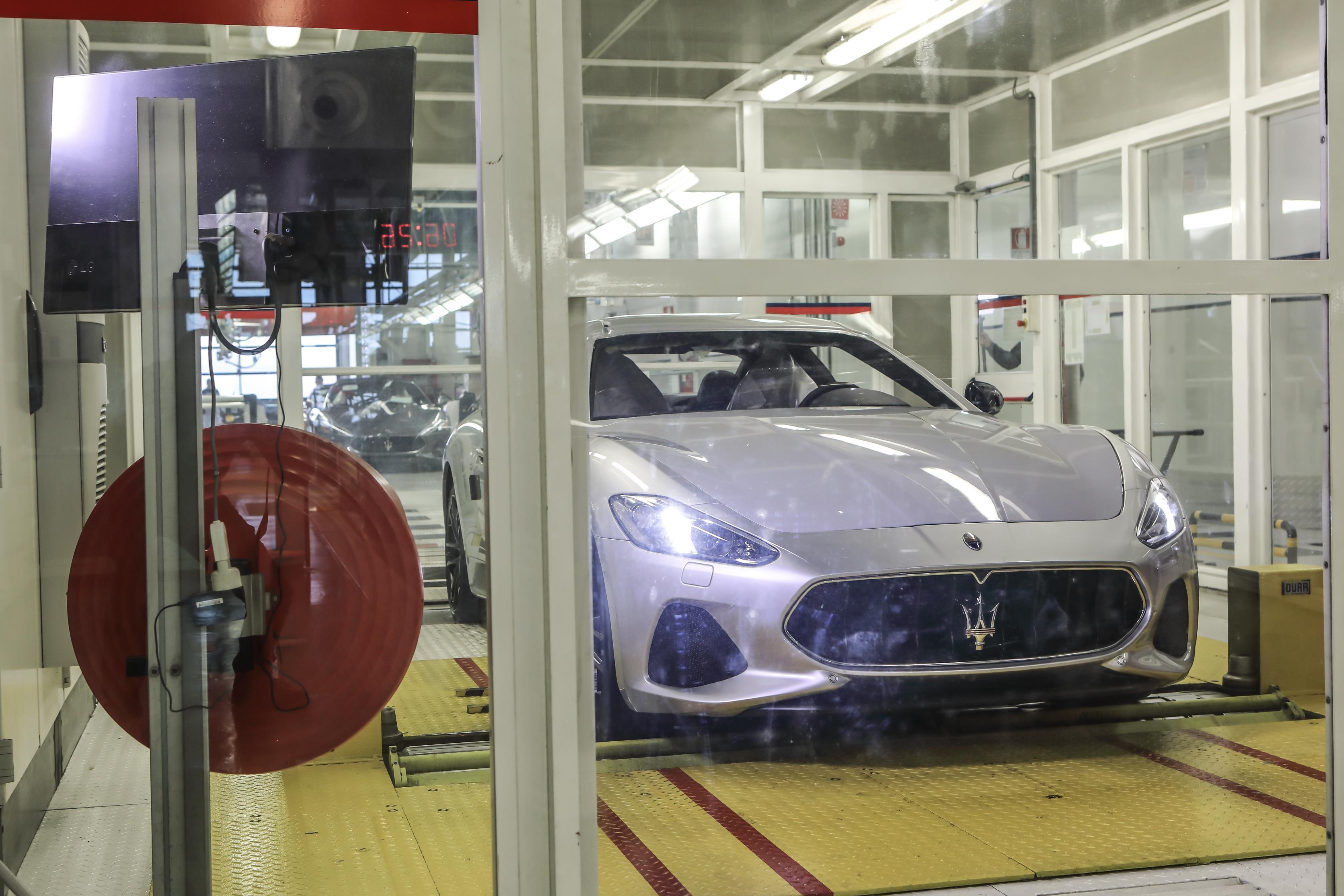 Финал Maserati GranTurismo покинул заводской цех. GranTurismo Zéda является уникальным, построенным, чтобы jnvtnbnm необычайно длительный производственный цикл GranTurismo.