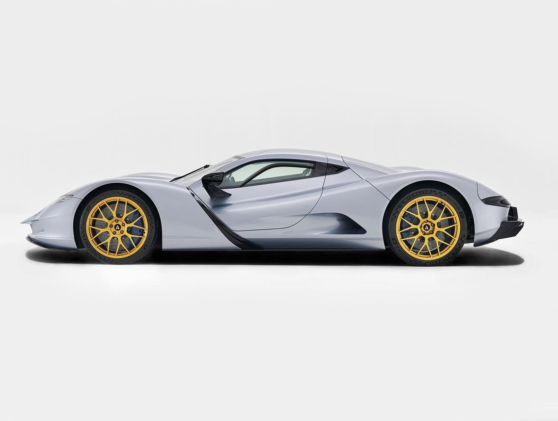 Aspark, японский гиперкар, представил на автосалоне в Дубае на прошлой неделе свой почти готовый к производству электрический гиперкар.