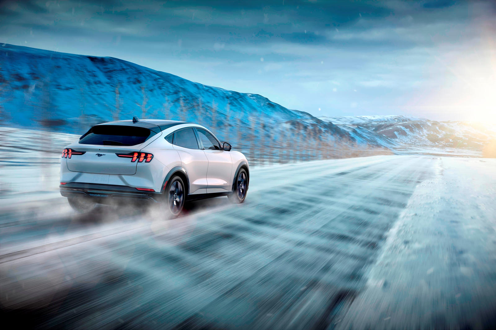 Ford не шутил, когда сказал, что первое издание «не будет длиться долго». Тем не менее, стоит отметить, что в случае возврата клиентам депозита в размере 500 долларов США могут появиться дополнительные бронирования. В течение первого года производств