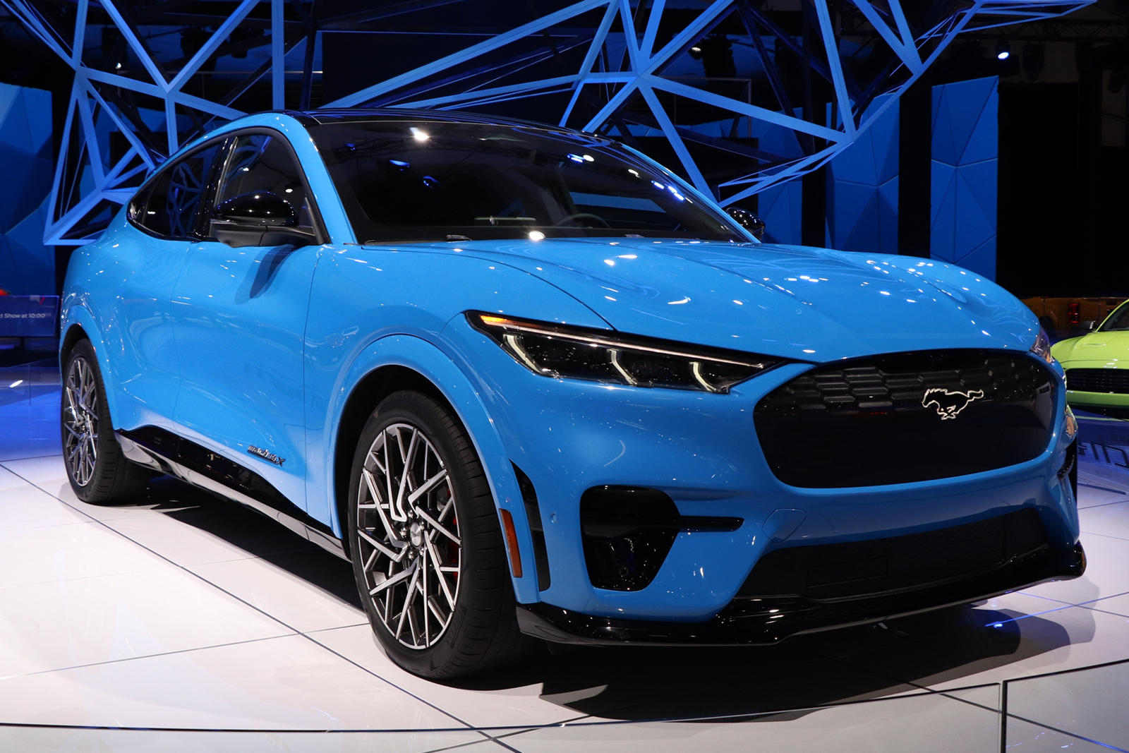 Если вы надеялись купить именно эту версию электрического внедорожника Ford, вам не повезло.