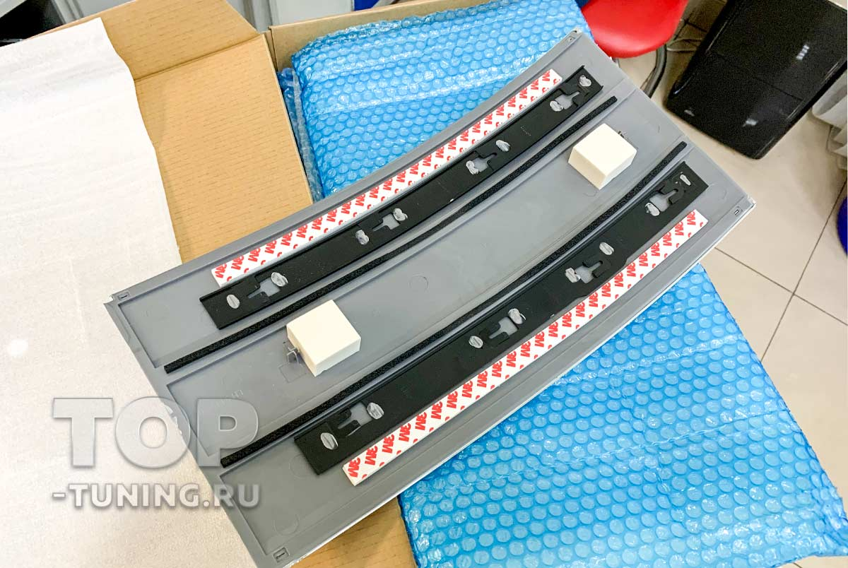 103034 Замена облицовок дверей на Range Rover Vogue 2020