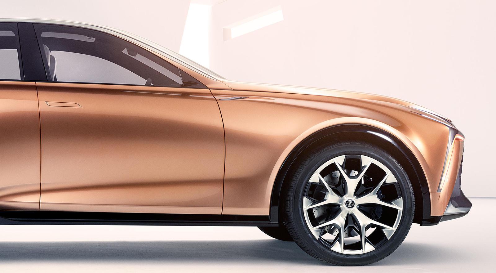 Когда полноразмерный кроссовер LQ появится на рынке около 2021 года как модель 2022 года, он заменит существующий LX – это хорошо, учитывая, сколько лет нынешнему LX - более десяти.