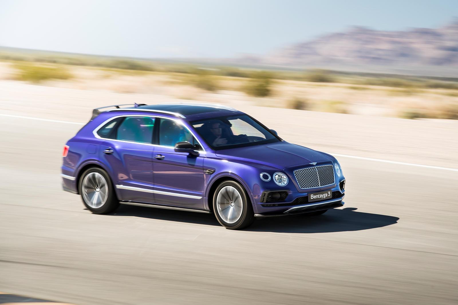 Помимо передачи солидной суммы денег, создание вашего идеального британского шедевра еще более усложняется благодаря огромной гамме цветов кузова производителя. Для тех, кто не может решить, может быть, лучше всего купить Bentley во всех ваших любимы