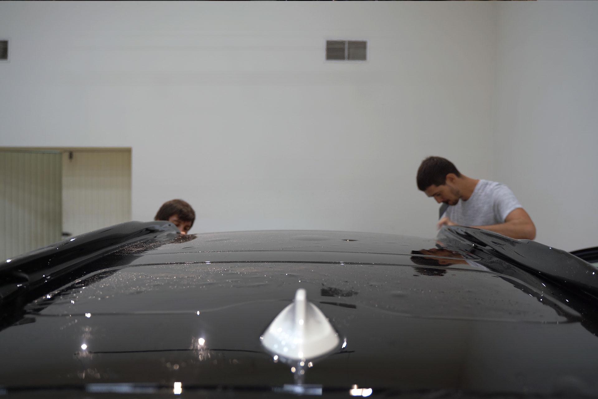 Эффект черной стеклянной крыши на BMW X5, X6, X7