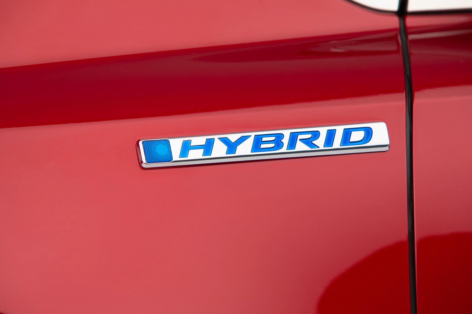 Honda поделилась только одним тизер изображением концептуального электромобиля, хотя не на 100% ясно, будет ли это седан или, возможно, кроссовер с низкой посадкой.