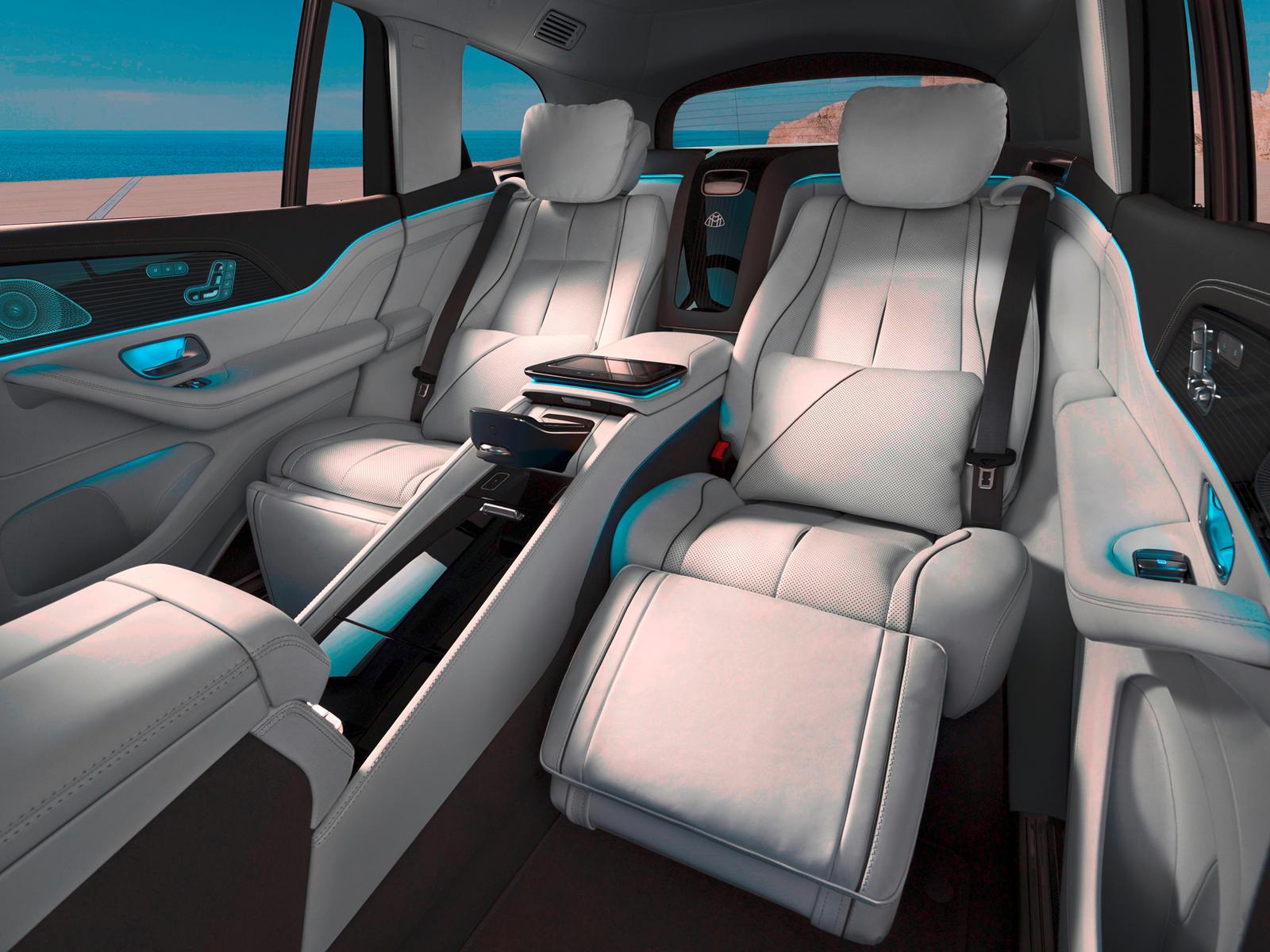 Большинству из нас, простых смертных, нового Mercedes-Benz S-Class хватит для ежедневных поездок. У него один из самых роскошных и инновационных интерьеров в мире, и вскоре его превзойдут гибридные варианты AMG с нереальной выходной мощностью.