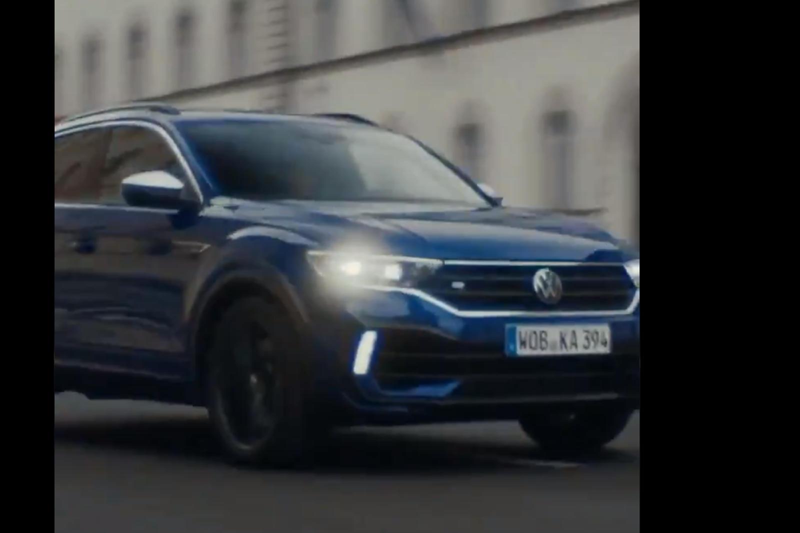 Volkswagen Golf R - это горячий хэтчбек, который мы уже ждем, затаив дыхание. Каким бы крутым ни был GTI и как бы мы не были в восторге от нового варианта Clubsport, есть только одна топовая версия Golf, и это R. Мы уже видели, как он будет выглядеть