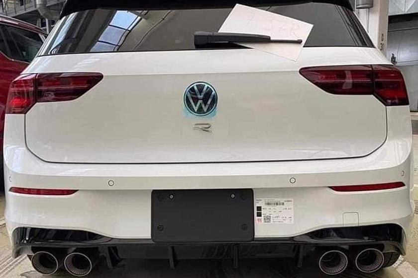 Учитывая, что Volkswagen использует гоночную личность Таннера Фуста, чтобы объявить дату выпуска R, а также тот факт, что кампания для автомобиля будет отмечена тегом #MissionR, мы надеемся, что это будет означать несколько захватывающих рекламных ро
