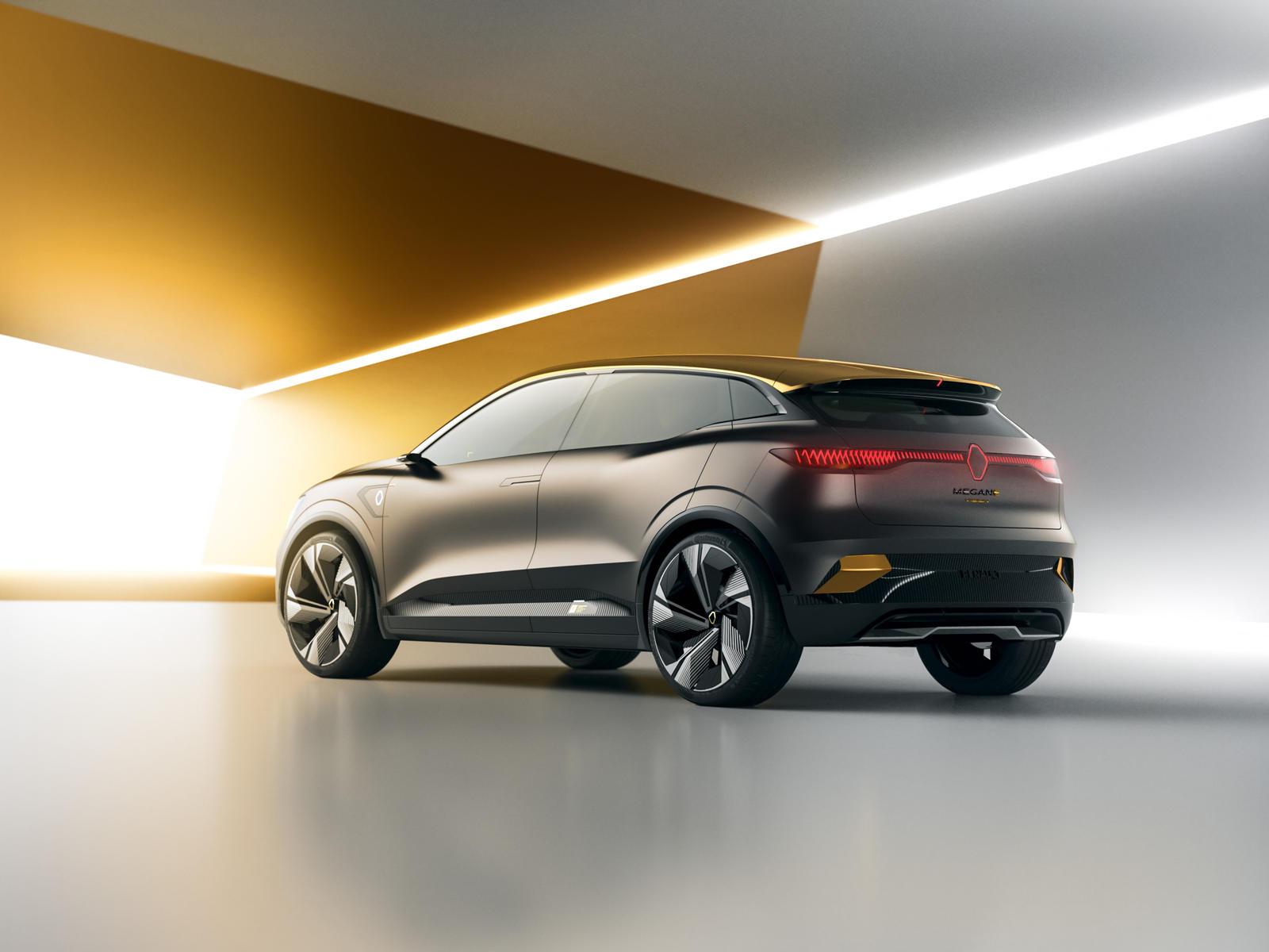 Лука Де Мео, генеральный директор Groupe Renault, сказал: «Благодаря нашей совершенно новой платформе Alliance CMF-EV мы нарушили правила размера, использования, дизайна и энергоэффективности, чтобы представить шоу-кар Mégane eVision. Мы полностью ис