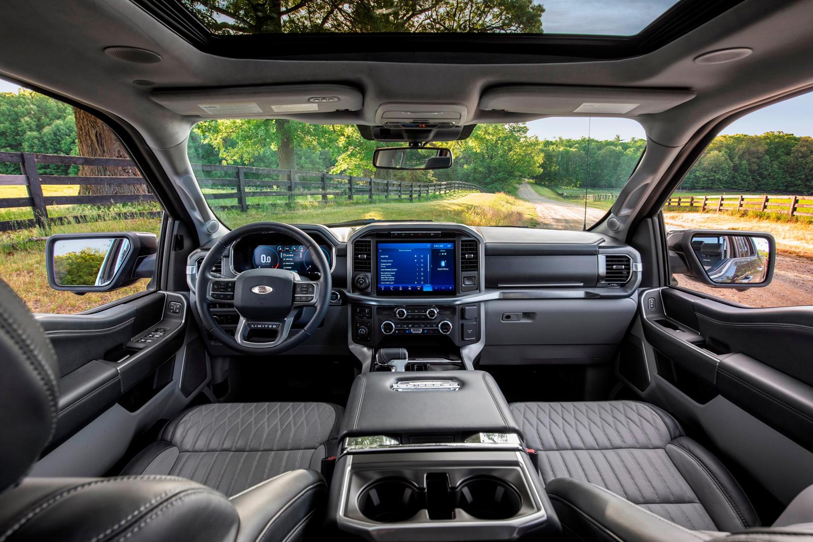 Активная система помощи при вождении аналогична по объему и функциям системе Super Cruise от Cadillac, работающей без рук, только на определенных заранее обозначенных участках дороги - на данный момент на 100 000 миль в Северной Америке. Но там, где