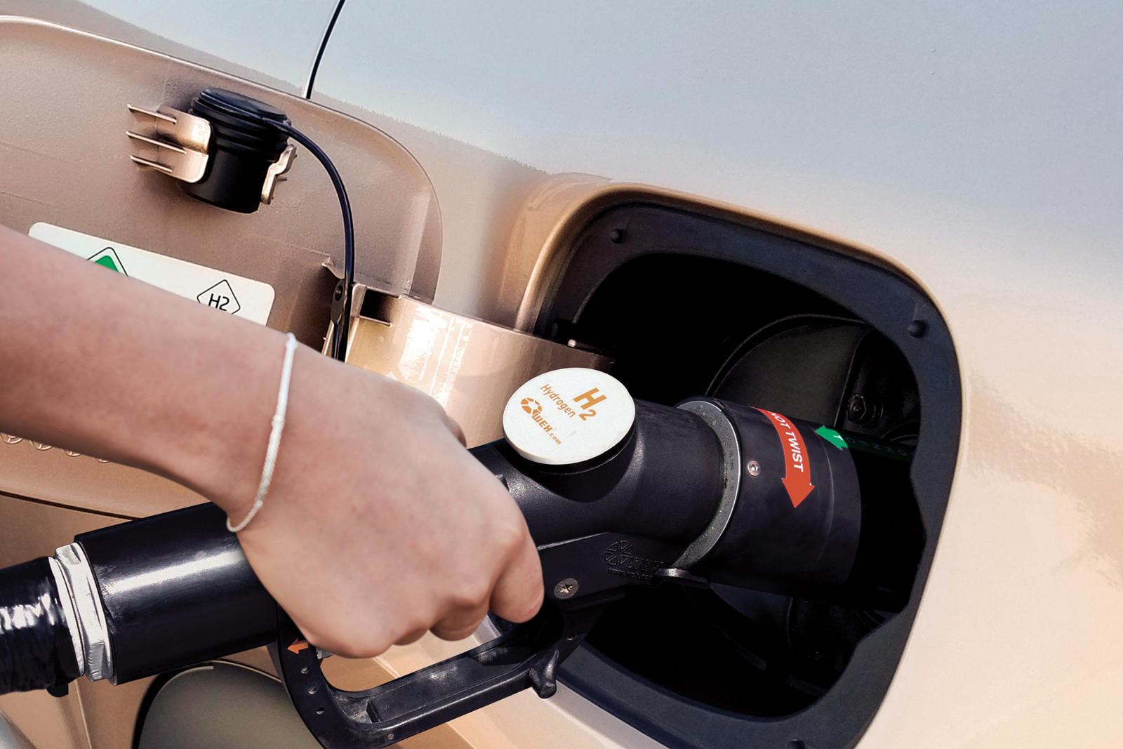 Поскольку все больше автопроизводителей переходят на электрификацию, автомобильная промышленность сейчас переживает период серьезных преобразований, направленных на сокращение глобальных выбросов. Hyundai, с другой стороны, является одним из немногих