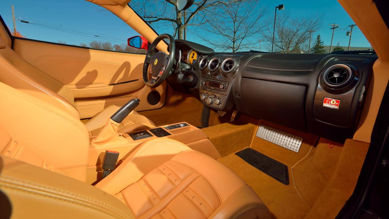 Ferrari F430 является одной из машин, произведенных в Маранелло, которую, как мы думаем, следует ценить особо, но когда у автомобиля есть какое-то происхождение, его стоимость должна, по крайней мере, соответствовать 270 тысячам долларов, за которые