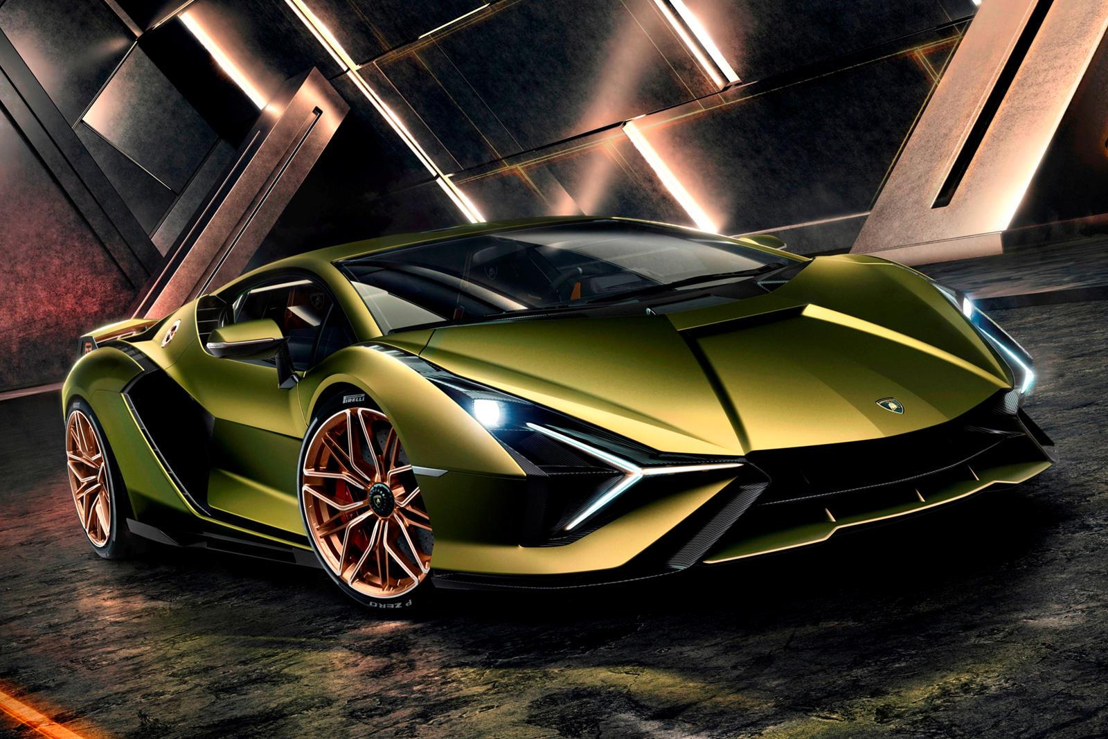 Прошло более двух лет с тех пор, как мы впервые узнали, что грядущий преемник Lamborghini Aventador, который должен появиться в следующем году, будет оснащаться атмосферным двигателем V12, хотя и с гибридной поддержкой. Дополнительный электродвигател