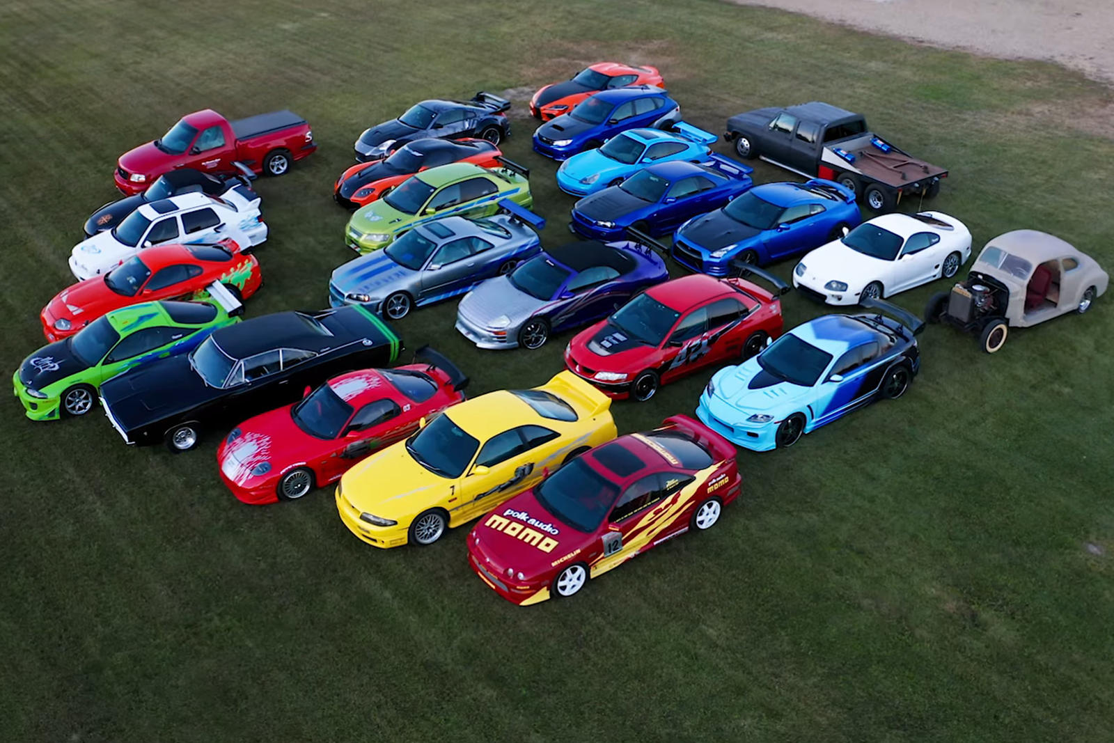 Среди автомобилей в его уникальной коллекции - зеленый Mitsubishi Evo 8, созданный по аналогии с автомобилем из «Двойного форсажа». В фильме автомобиль был модифицирован с помощью RWD, чтобы он мог лучше проходить повороты, но Хорхе оставил его в сто