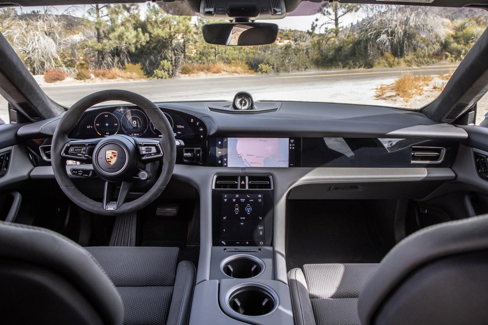 Чтобы лучше понять первый успех Taycan за весь модельный год, в прошлом году было продано 21 784 экземпляра 718 Boxster и Cayman. Представьте себе, каким было бы общее количество Taycan, если бы не пандемия. Скорее всего, количество 718 не сильно изм