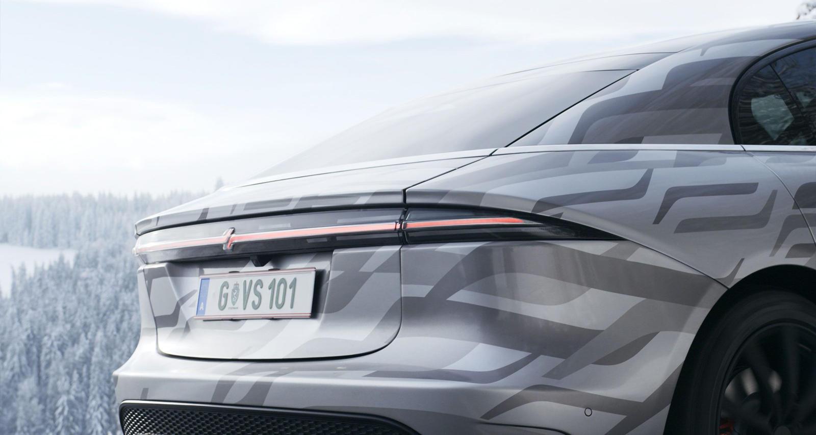 Sony может упустить огромную возможность здесь, поскольку конкурирующий технологический гигант Apple готовится запустить свой собственный электромобиль уже в 2024 году, но, по крайней мере, автомобиль будет продолжать вносить свой вклад в развитие но