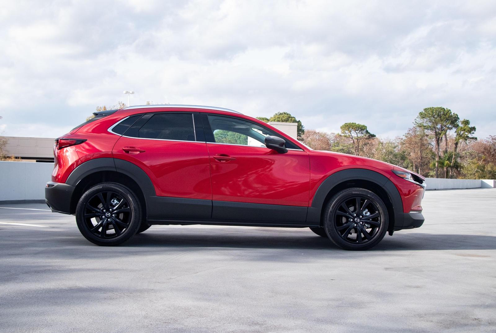 Mazda заявляет, что эти «стильные диски созданы с использованием наших высокотехнологичных процессов литья из сплавов», что означает, что они, вероятно, легче стандартных 18-дюймовых. Однако не стоит слишком волноваться, потому что эти колеса еще дор