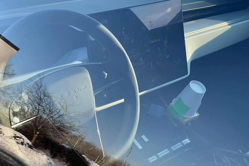 Но опять же, официального подтверждения пока нет. Будет интересно увидеть, как новое рулевое колесо набирает популярность, если предположить, что федералы дали ему зеленый свет.