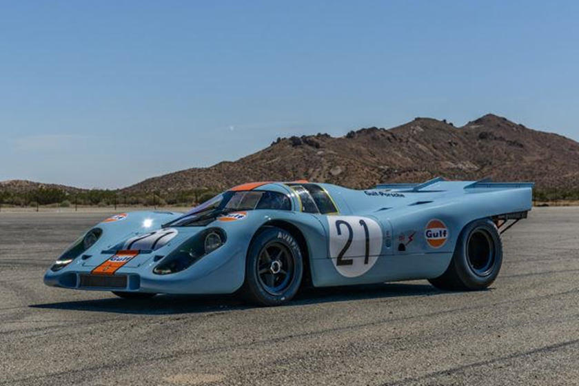 Ему удалось одержать первую в истории победу Porsche в легендарной 24-часовой гонке, и с тех пор он стал живой легендой и даже был показан в фильме Стива МакКуина «Ле-Ман» в 1971 году. Этот зверь питается от 4,5-литрового рядного 12-цилиндрового двиг