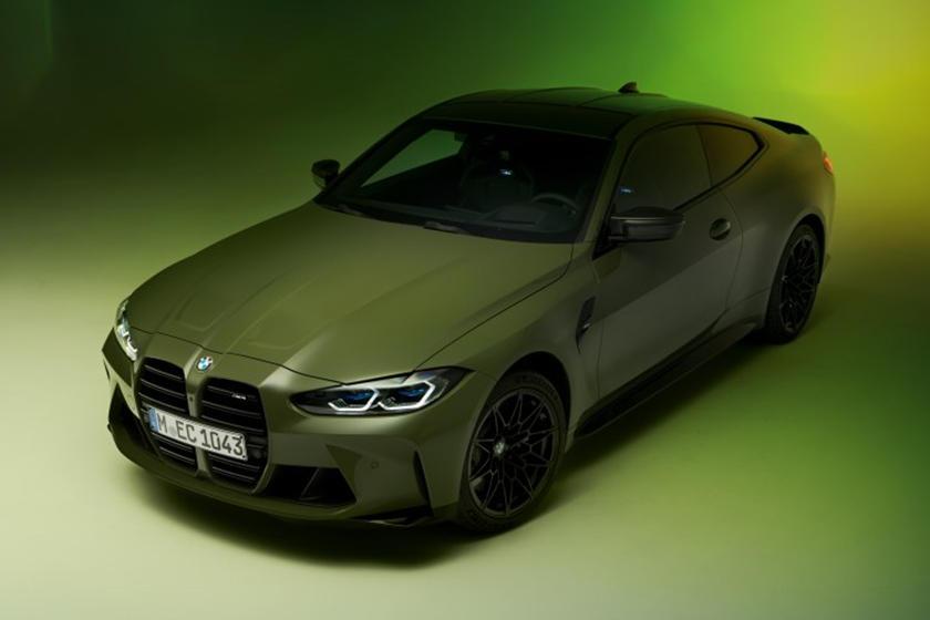 Мы уже видели новые M3 и M4 в их стартовых цветах - Isle of Man Green и Sao Paulo Yellow, но какими бы великолепными и яркими ни были эти оттенки, серия Individual привлекает еще больше внимания.