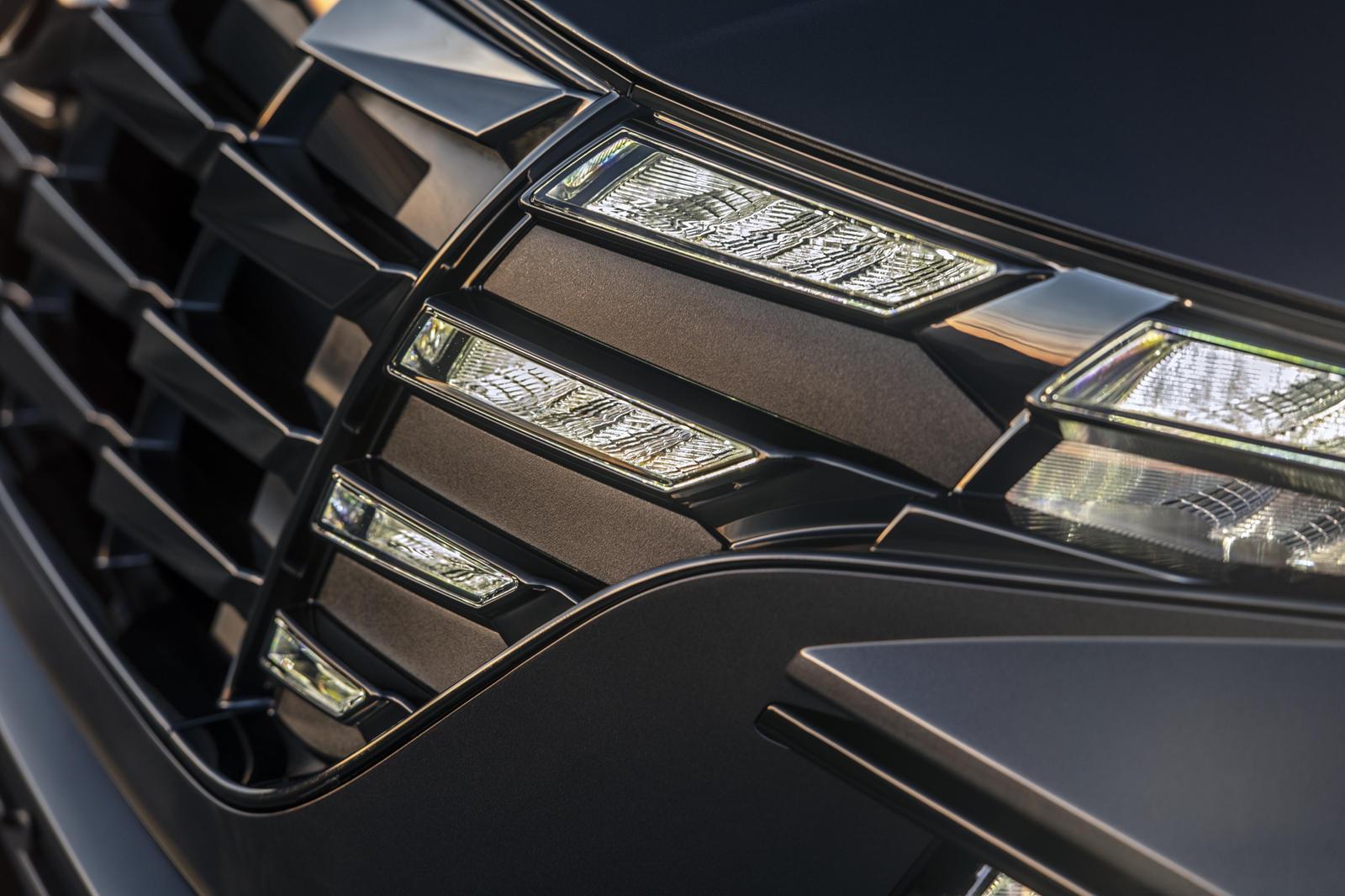Все три комплектаций для подключаемого гибрида Tucson в стандартной комплектации поставляются с механическим полным приводом и комбинацией режимов для различных поверхностей, включая снег.