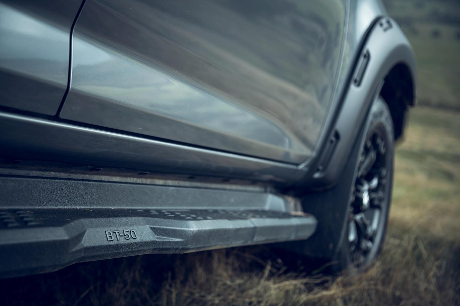 Под капотом 3,0-литровый четырехцилиндровый турбодизельный двигатель выдает 188 лошадиных сил и 450 Нм крутящего момента.