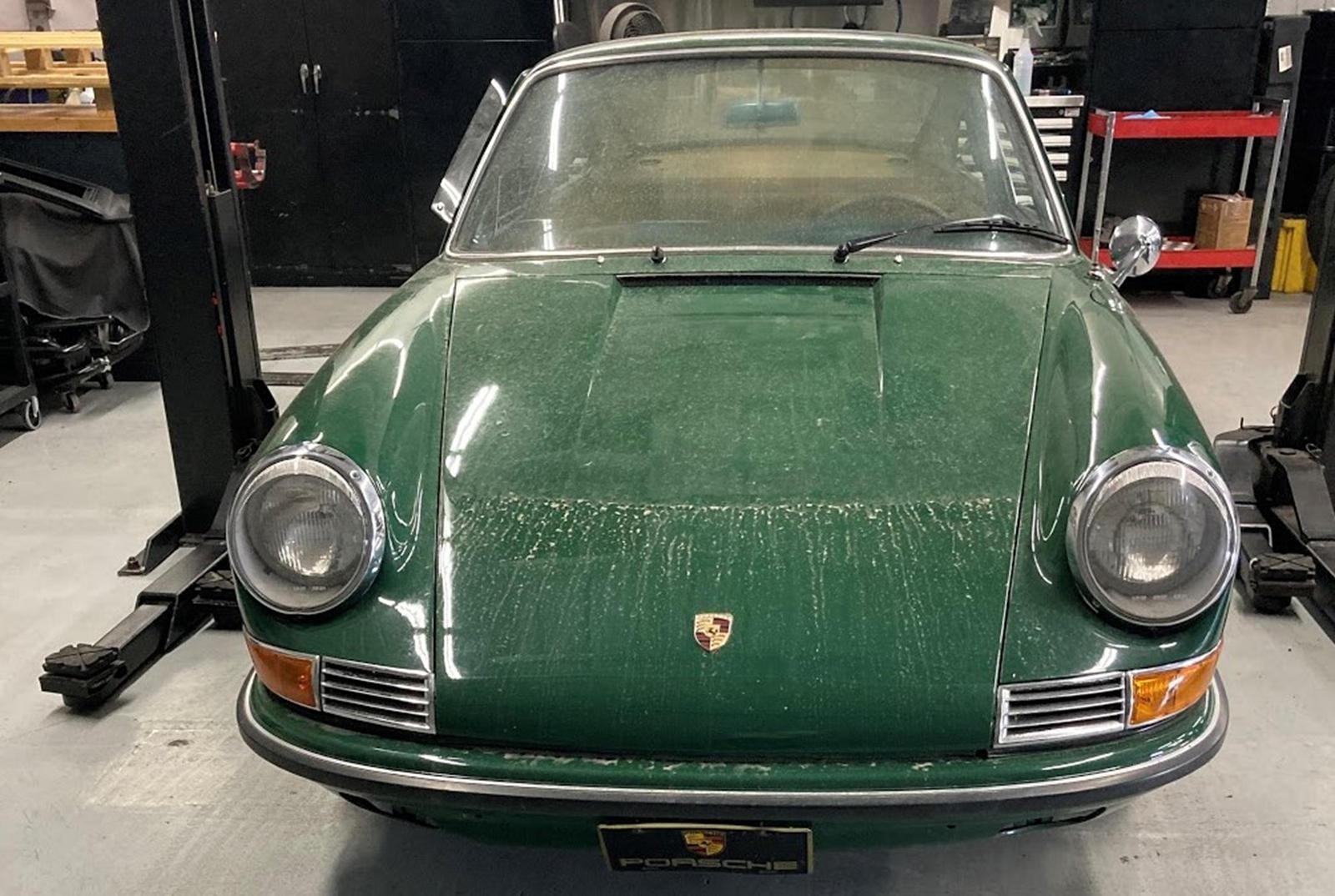 В рамках программы Porsche Classic Restoration Challenge подразделение работает с дилерами в США, чтобы вернуть 40 классическим Porsche в их былую славу.