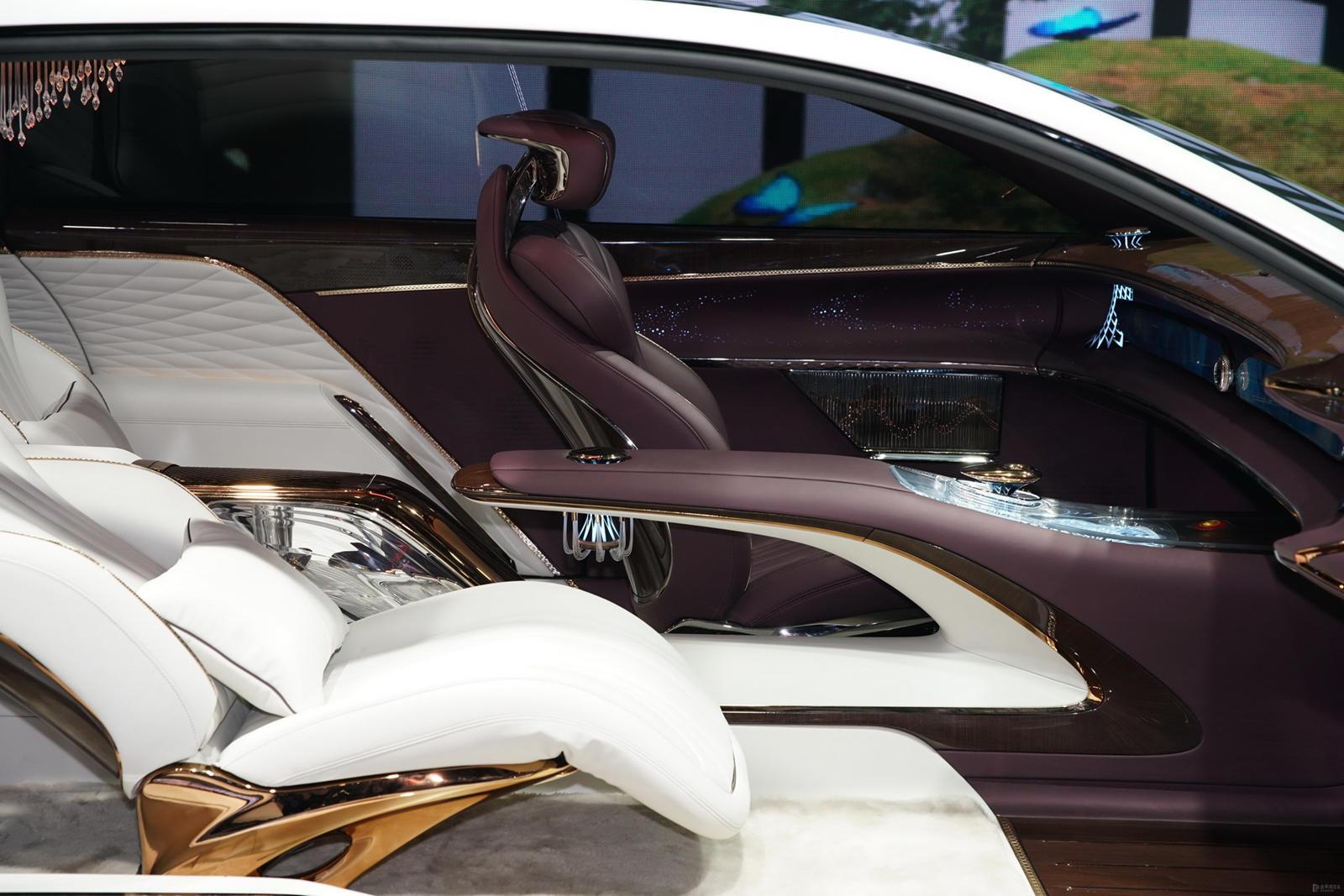 Еще одна выдающаяся модель - Hongqi L-Concept. Если вы никогда не слышали о Hongqi, то это старейший производитель автомобилей в Китае, основанный в 1958 году. Это та же компания, которая создала китайскую имитацию Rolls-Royce Cullinan и гибридный ги
