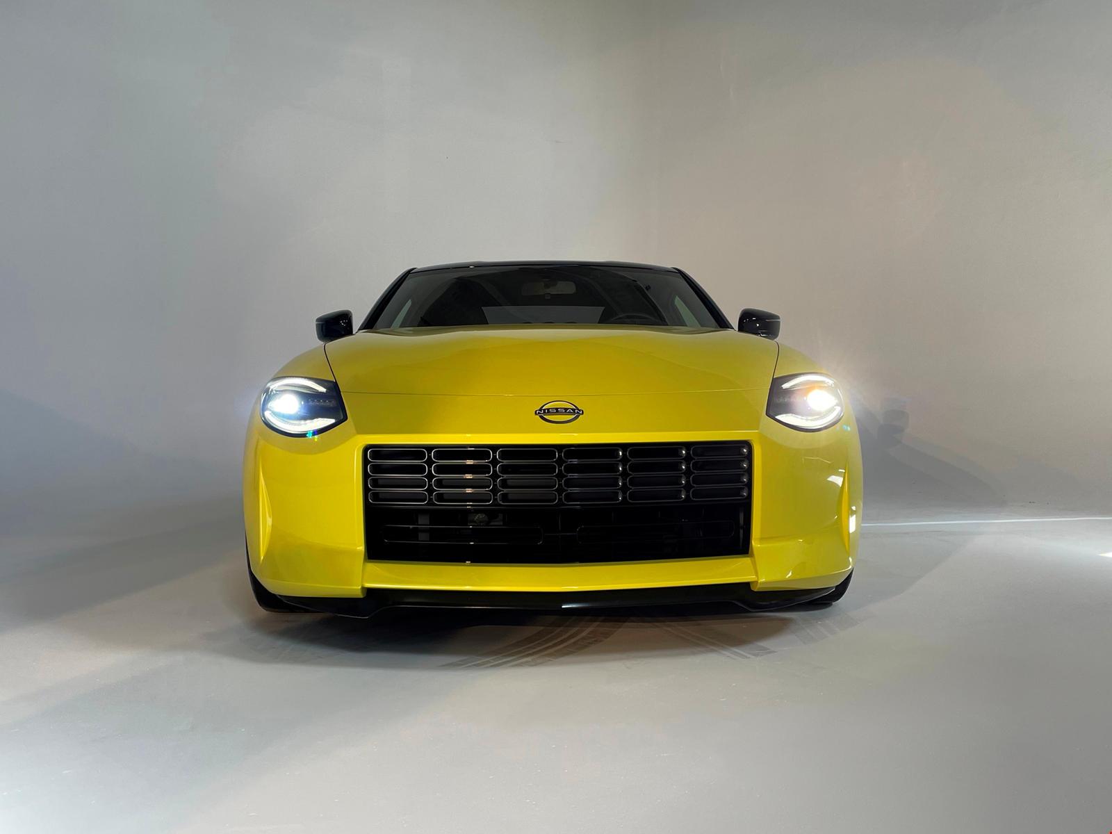 Если этот слух верен и заказы начнутся в ноябре, мы подозреваем, что автомобиль не попадет в руки клиентов до середины 2022 года.