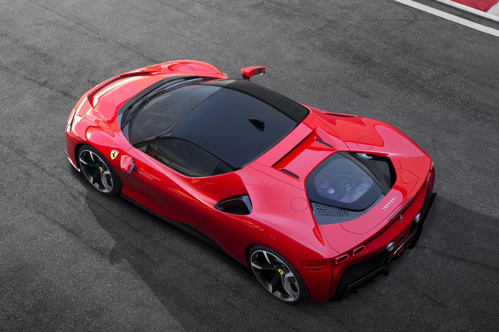В заявлении Ferrari о назначении Виньи говорится: «Его уникальные знания, полученные за 26 лет работы в самом сердце полупроводниковой промышленности, которая быстро трансформирует автомобильный сектор, ускорит способность Ferrari стать пионером в об