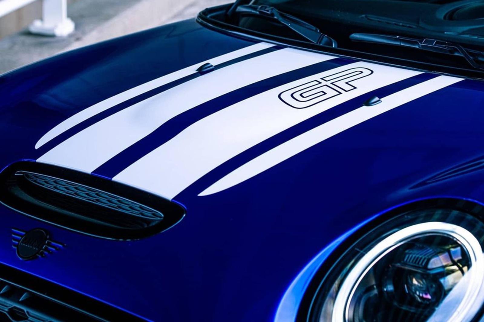 Ключевым ингредиентом успеха Mini всегда была его способность создавать забавные автомобили. Mini Cooper никогда не были самыми быстрыми автомобилями на дороге, но они сделали успешную карьеру в автоспорте, а тюнингованные версии Mini Cooper по-прежн