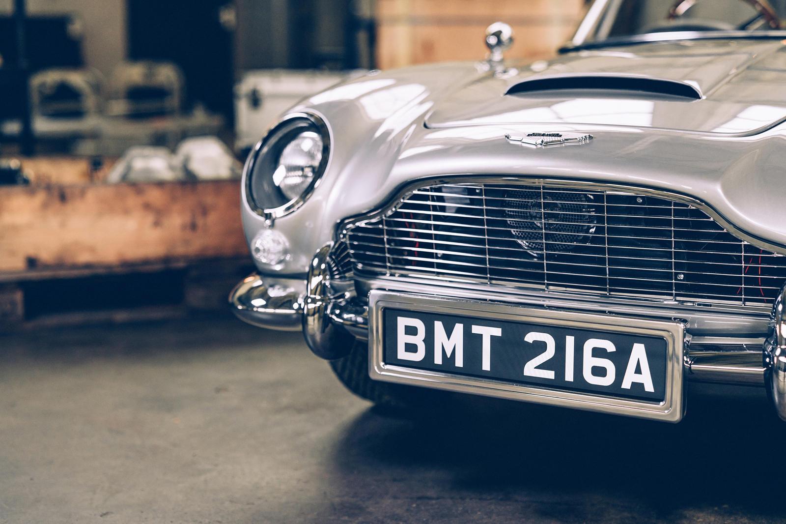 Если у вас есть средства, чтобы водить экзотический спортивный автомобиль, например, Aston Martin DB11 Volante 2022 года, у ваших детей, скорее всего, есть свои довольно яркие игрушки. В прошлом году Aston Martin анонсировал два игрушечных автомобиля