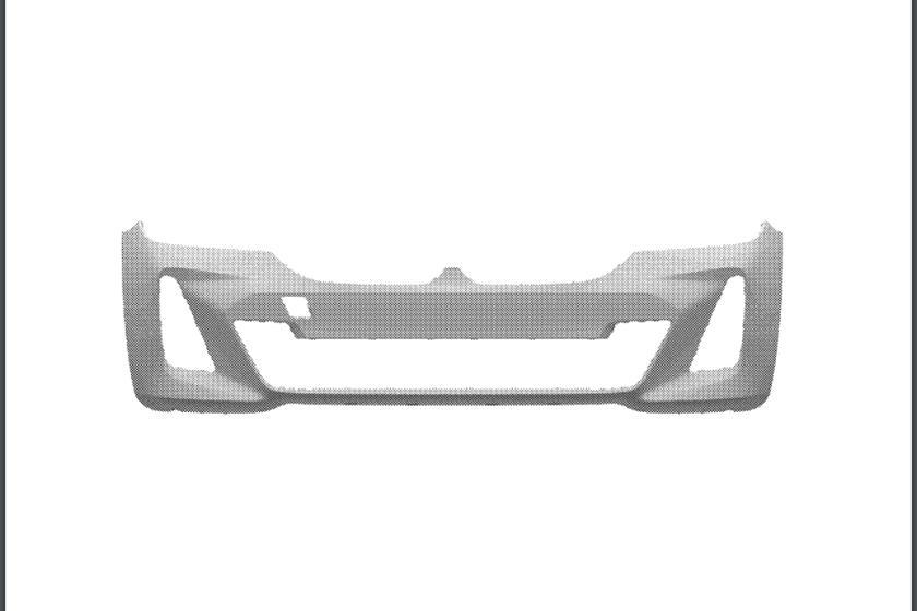 Мы совершенно уверены, что он предполагается не для модели M Sport, поскольку у него есть искусственный диффузор во всю ширину и нет вентиляционных отверстий на заднем бампере, как на текущих моделях 3-й серии. Недавние шпионские снимки показали обно